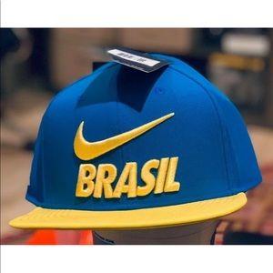 da7cbde41c8 Nike Brasil Football 2018 Pro Adjustable Hat